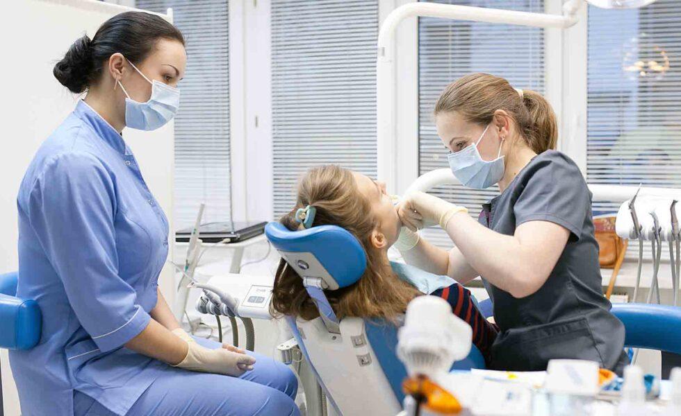 Что входит в бесплатную стоматологическую помощь картинка